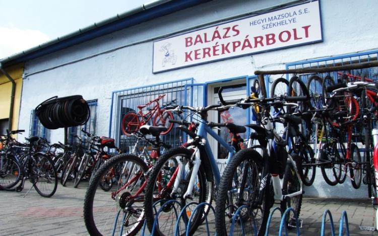 c15a28954446 Különleges javítás és szakértelem – kerékpár, sí bolt és szerviz Szentendrén